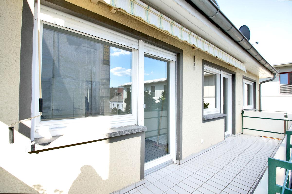helle wohnung mieten in lahr mitten in der stadt mit s dbalkon immobilienmakler in freiburg. Black Bedroom Furniture Sets. Home Design Ideas