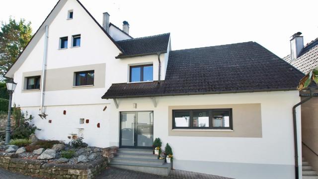 Einfamilienhaus kaufen in Kippenheim – 2011 kernsaniert, neue Heizung, tolle Materialien.